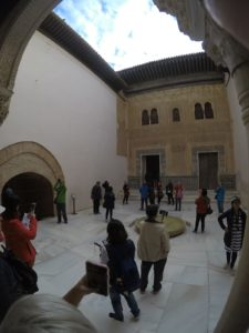 'Hola Alhambra' Discovering the Red Castle 24