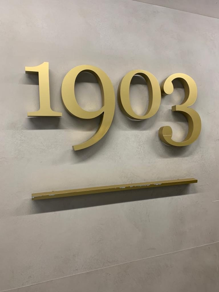 Checking into the 1903 Lounge @ Manchester T3 2