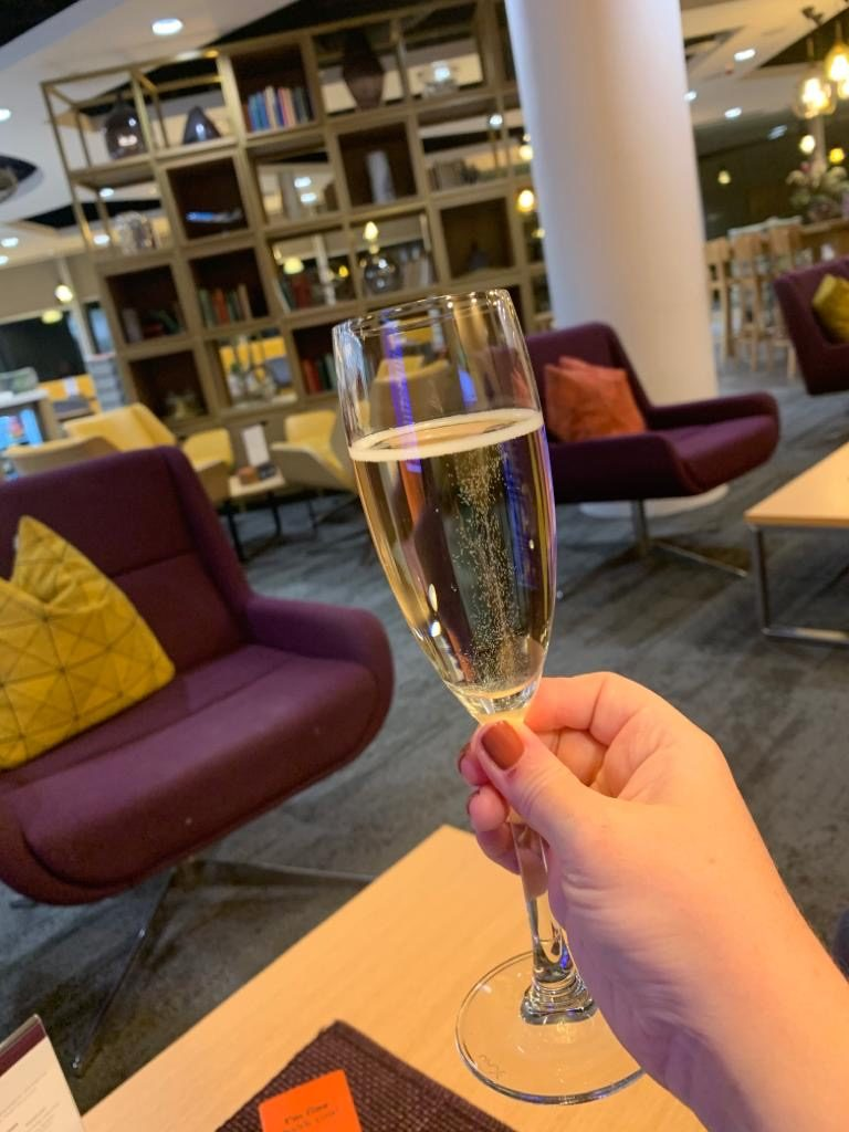 Checking into the 1903 Lounge @ Manchester T3 16